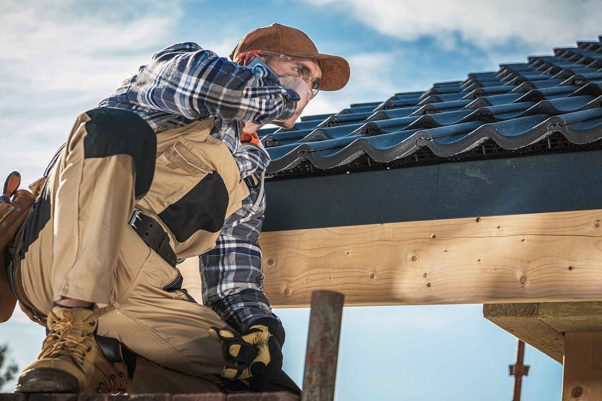 How to find a roofing contractor?